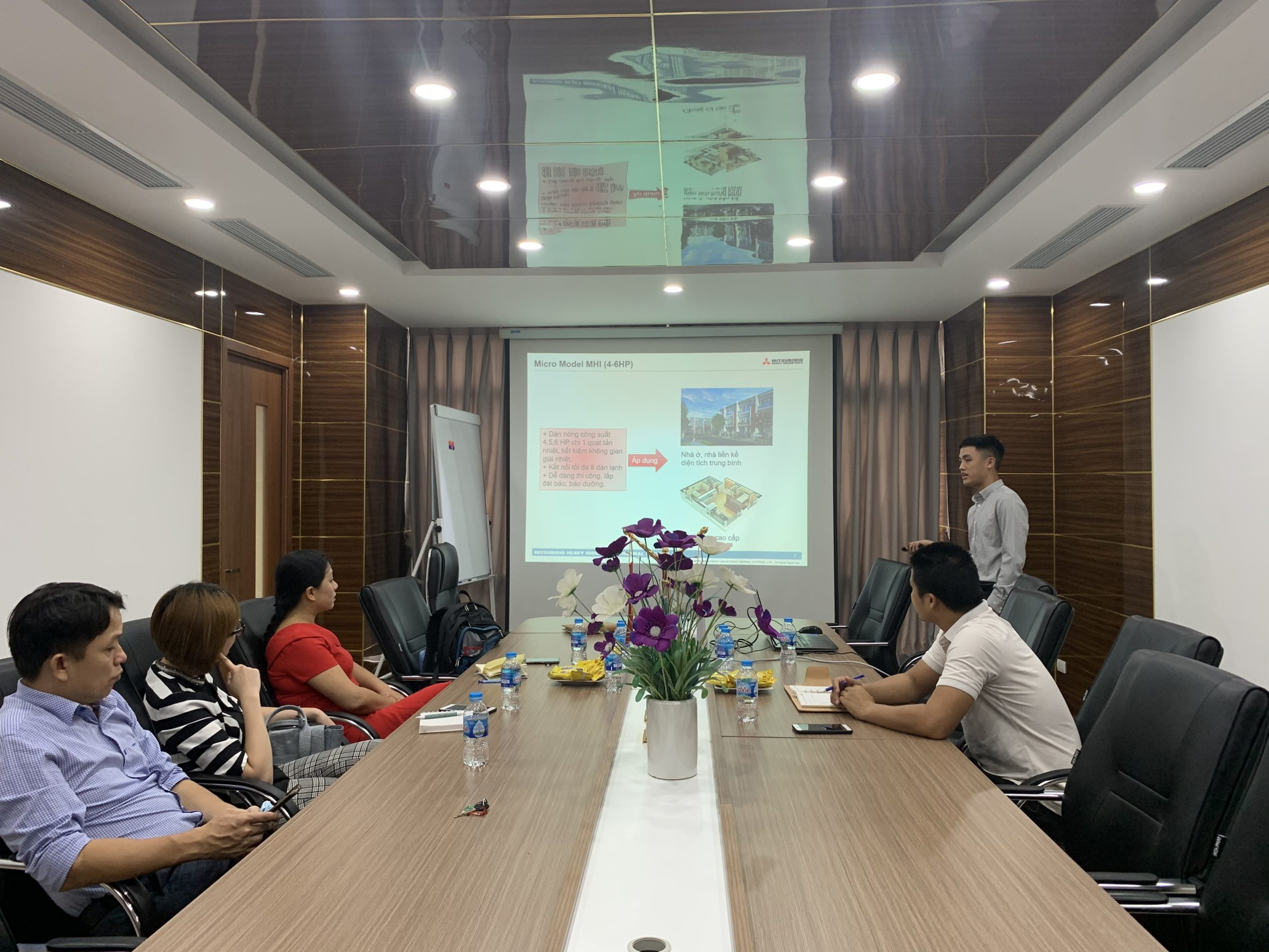 Training về sản phẩm cho nhà thầu